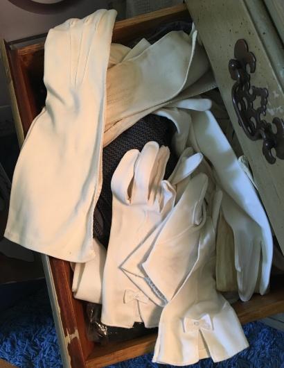 eileen's gloves copy